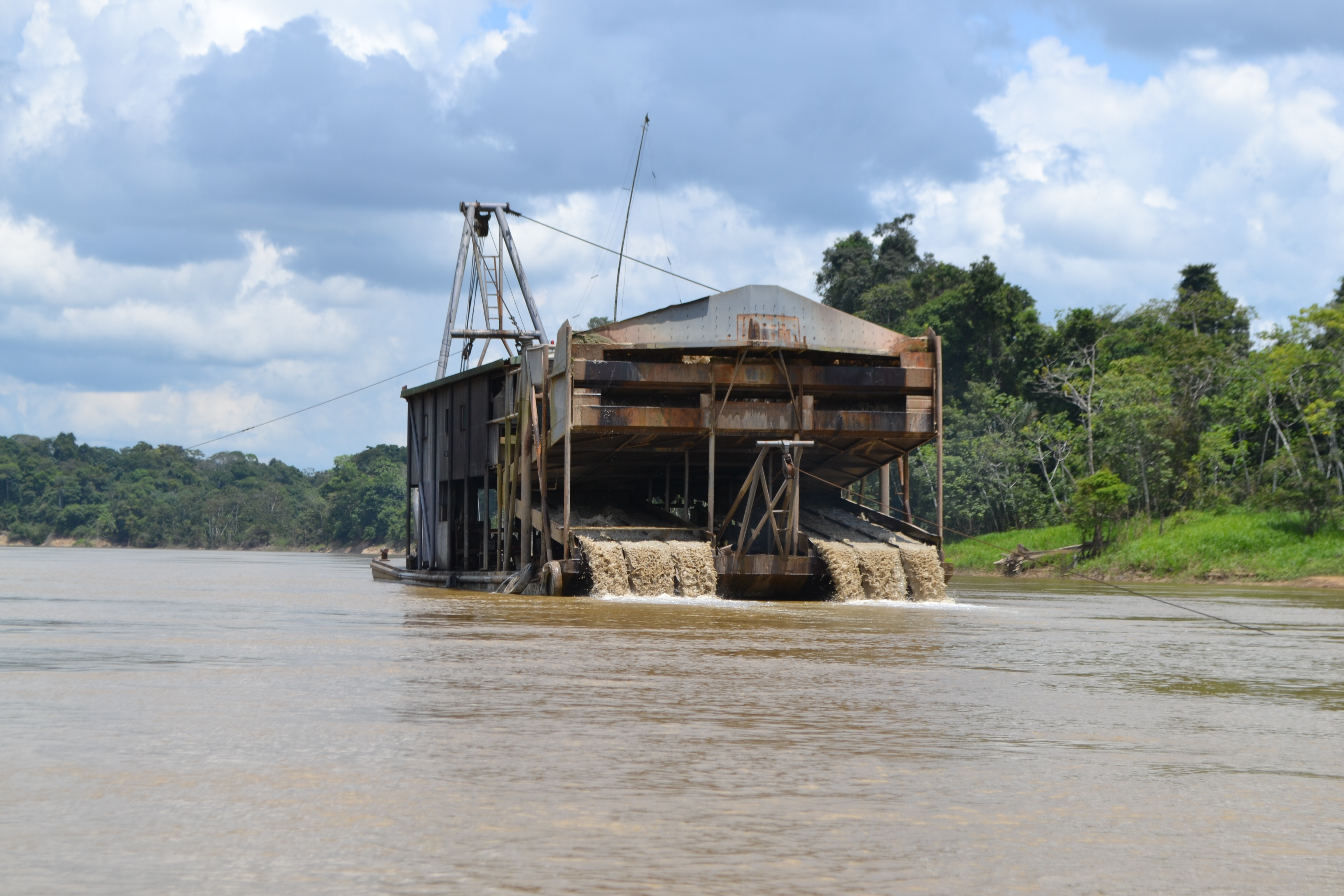 gold mining barge